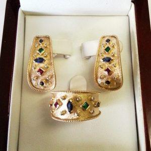"""Комплект """"Византия"""" из золота 750 пробы с натуральными рубинами, сапфирами, изумрудами и бриллиантами. Ручная работа."""