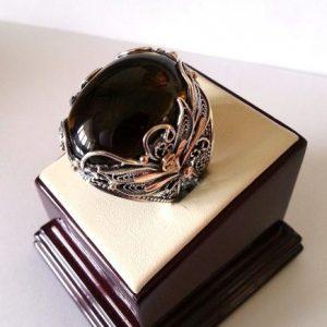 Кольцо из серебра с золотыми элементами и натуральным турмалином. Ручная работа.